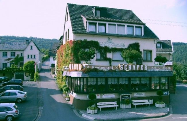 Hotel - Café - Restaurant Schäfer near the Nürburgring